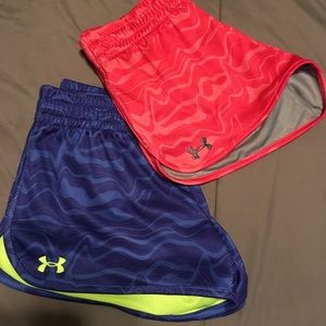2 pairs of Under Armor shorts